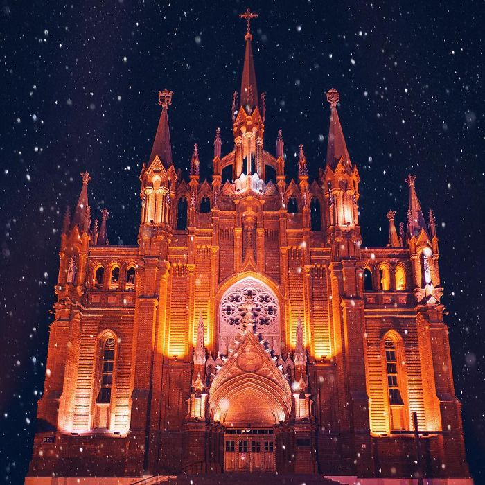 moscow-city-looked-like-a-fairytale-during-orthodox-christmas-3__700