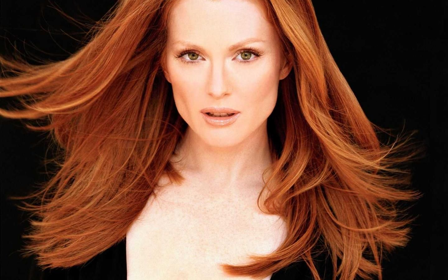 julianne-moore-wallpaper-4