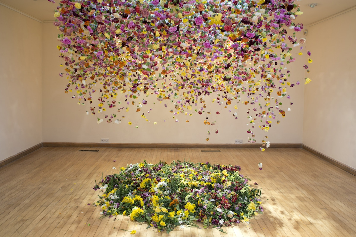 flower-installation-art-rebecca-louise-law-5