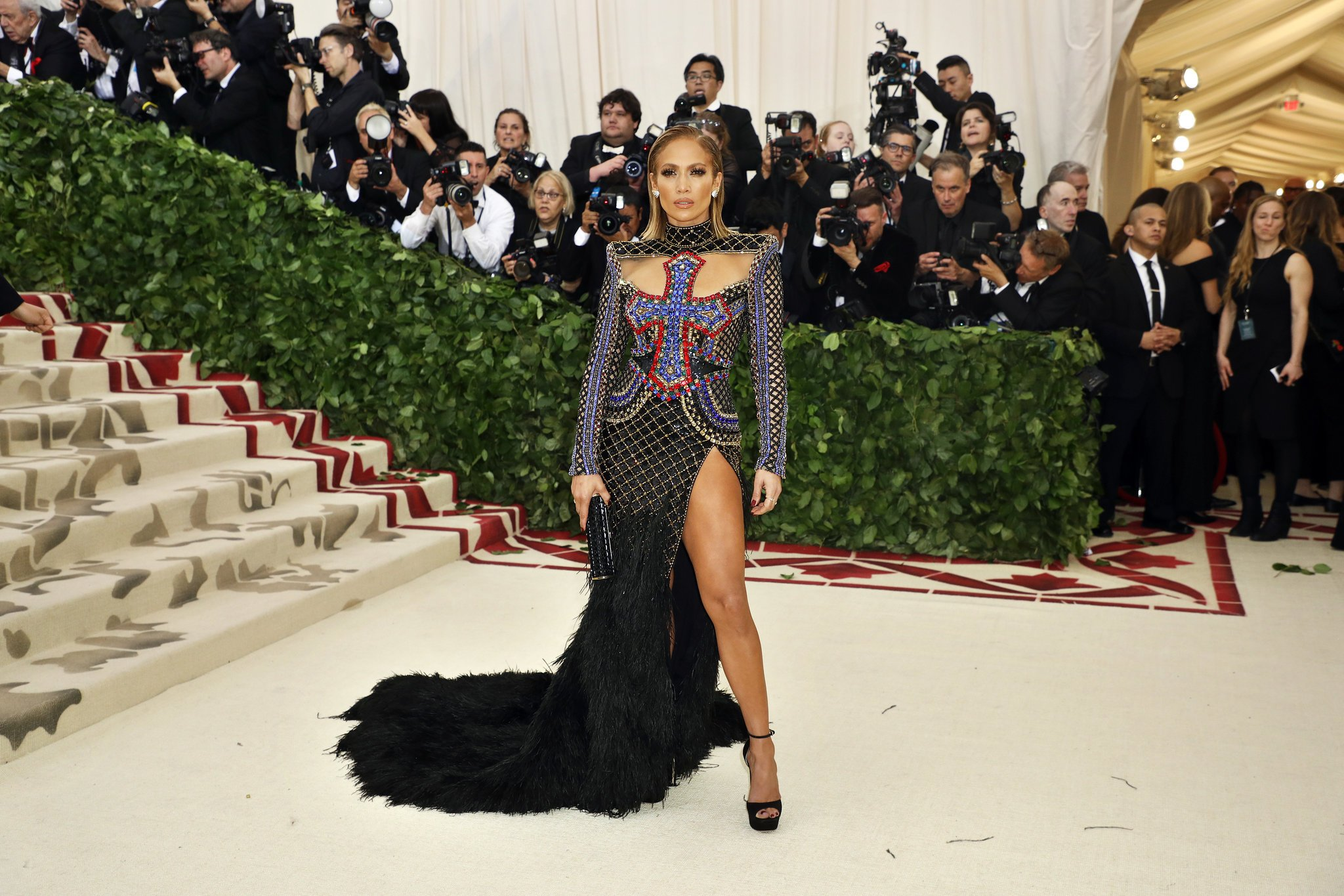 red-carpet-met-gala-4068-jennifer-lopez-superJumbo