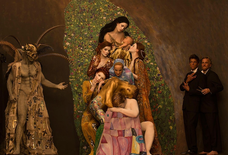 inge-prader-life-ball-gustav-klimt-paintings-003