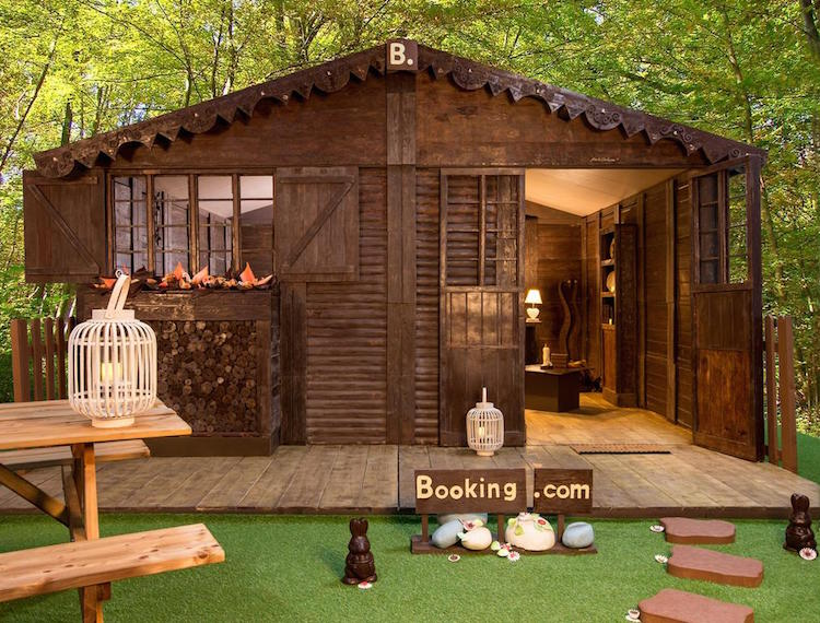 real-hansel-and-gretel-chocolate-cottage-booking.com-3-1